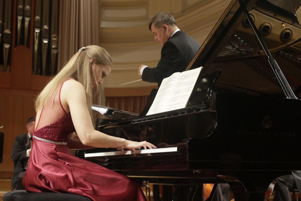 Maja Gombač, klavir - foto: Goran Antlej