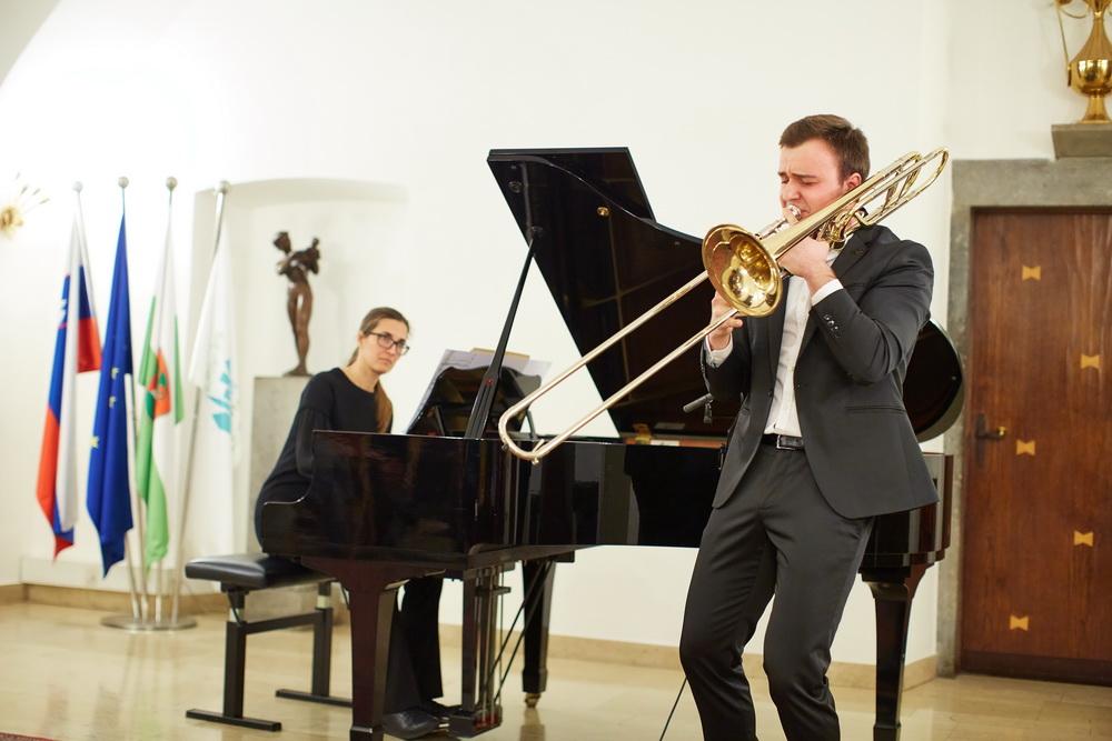 10.2.2020 - Žan Kopše, pozavna, Mateja Hladnik, klavir, Foto: Janez Kotar