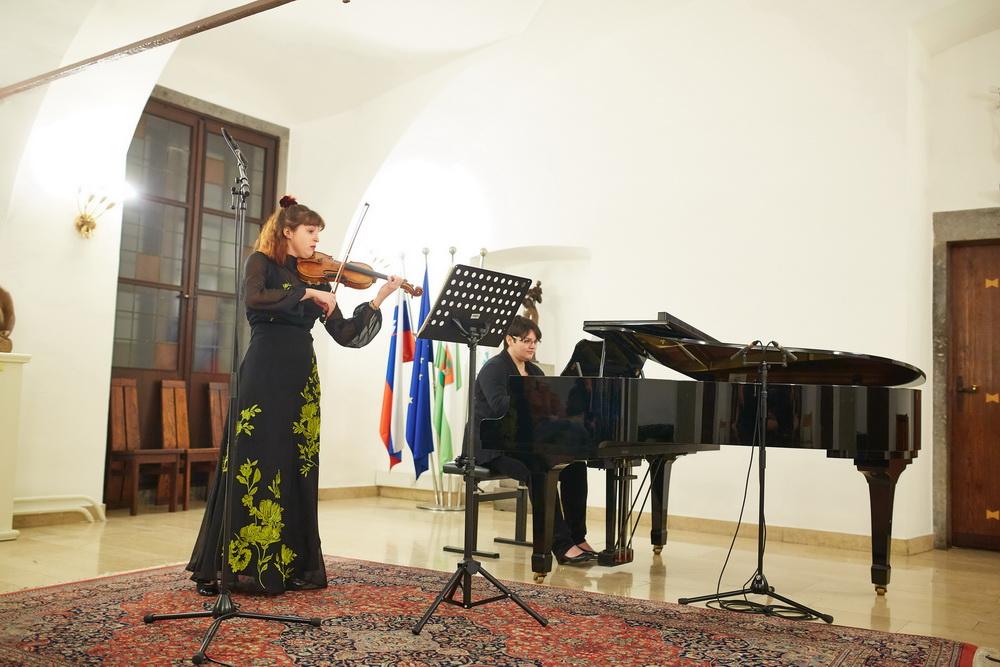 10.2.2020 - Ana Sešek, violina, Tea Andrijić, klavir, Foto: Janez Kotar